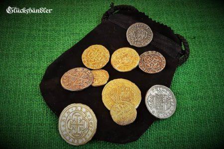 Münzen Dublonen, Escudos - Replikate - mit Lederbeute