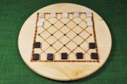 Koreanisches Brettspiel Ko-No mit Spielsteinen