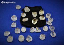 Runen - Bergkristall mit Lederbeutel schwarz