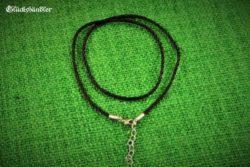 Halsband Kunstseide schwarz 2mm 45cm mit Verschluss geeignet für Ösen/Bohrungen ab 3mm