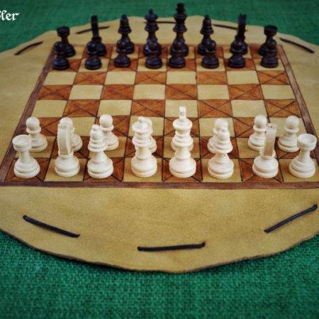 Schach - im Lederbeutel - Beutelschach mit Schachfiguren