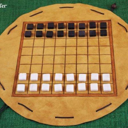 Ludus latrunculorum kurz Latrunculi mit Spielsteinen - als Beutelspiel