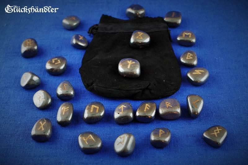 Runen - Hämatit mit Lederbeutel schwarz
