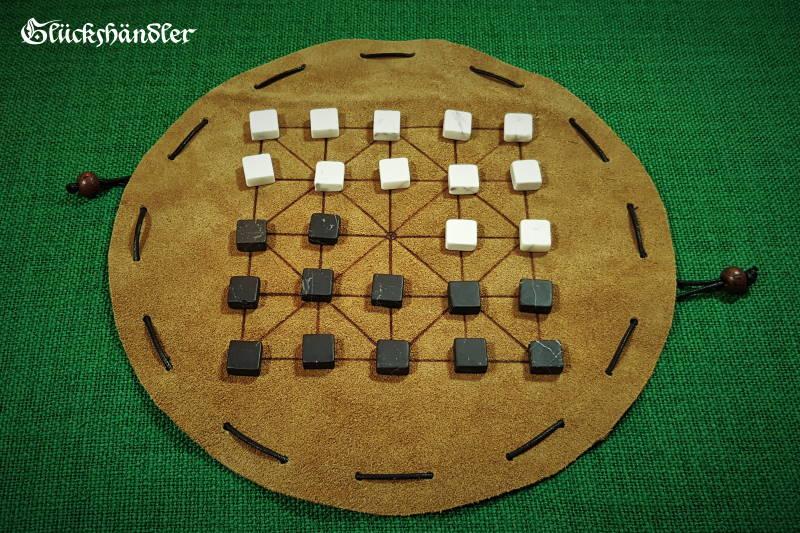 Alquerque Brettspiel aus Leder mit Marmorsteinen
