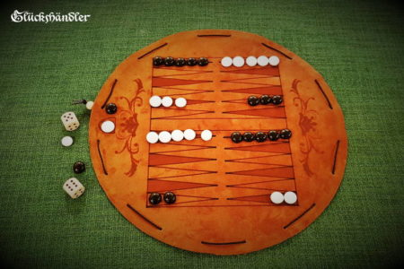 Backgammon-Brettspiel-aus-Leder-Beutelspiel-mit-Glassteinen-schwarz-und-weiss.
