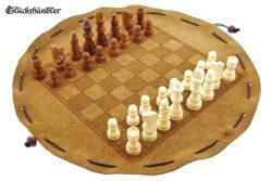 Schachbrett- aus Leder, Größe d 34cm mit Figuren als Beutelspiel