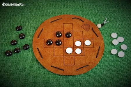 Queah Beutelspiel aus Leder d 16 mit Glassteinen