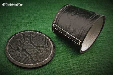 Cube cup with underlay - leather (dragon skin) black
