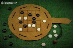 Yote - Brettspiel aus Leder mit Spielsteinen aus Glas