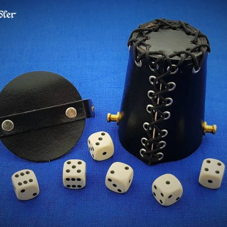 Cube cup with lid & eyelets - leather black with 6 cubes 16mm