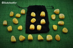 Runen Set Goldquarz mit Samtsäckchen