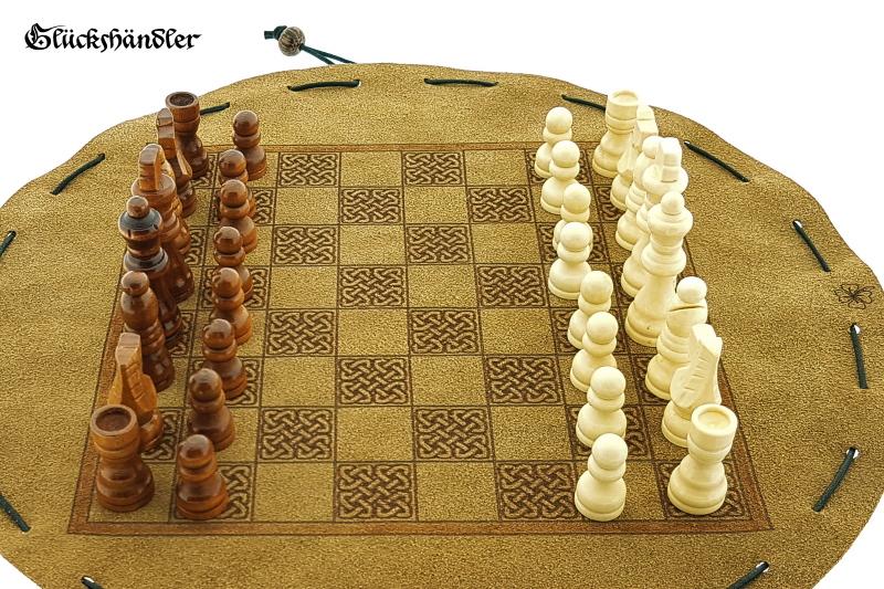 Schachbrett-Keltisch aus Leder Größe d 34cm als Beutelspiel. mit Figuren