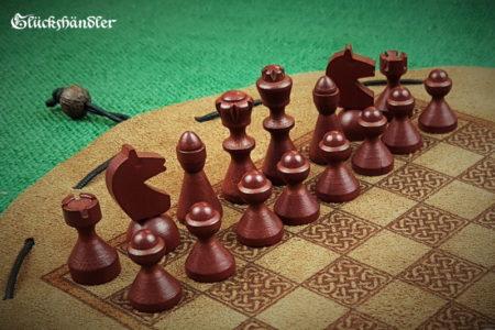 Schachbrett-Keltisch aus Leder als Beutelspiel mit Schachfiguren aus Buchenholz dunkelbraun & natur