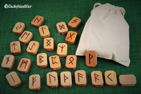 Runen Orakel Set - Holz - Erle - gewachst mit Stoffsäckchen