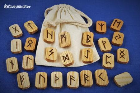 Runen Orakel Set aus Holz - Esche gewachst mit Stoffsäckchen