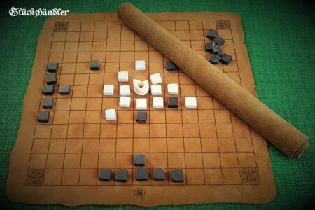Hnefatafl- mit keltischem Muster-Spielfläche zum aufrollen.