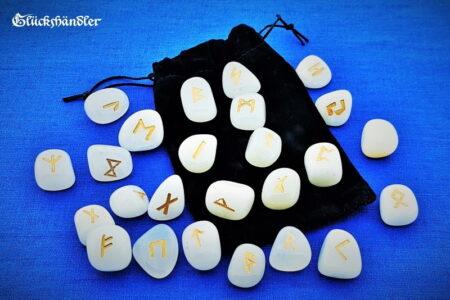 Runen Orakel - weißer Onyx mit Samtbeutel